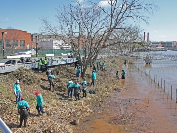 Earth Day 2014 Cleanup at Anacostia River.