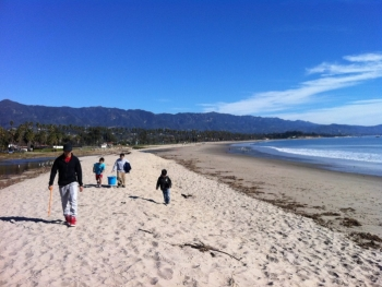 Santa Barbara Students Gather Data on Marine Debris.
