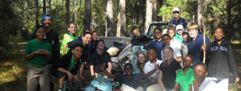 GA students marine debris survey and cleanup.