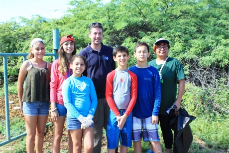 Jason Rolfe, Regional Coordinator, and volunteers at Tamarindo Beach